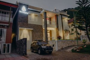 Villa Langgeng batu