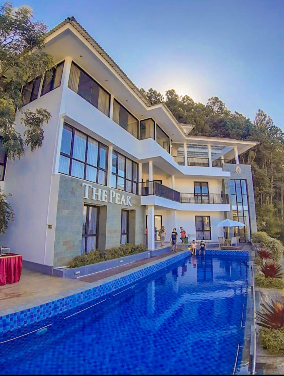 The Peak Villa Batu